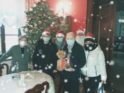 Mikołaj i jego świta u uczestników Środowiskowego Domu Samopomocy - Spółdzielnia Socjalna WIGOR