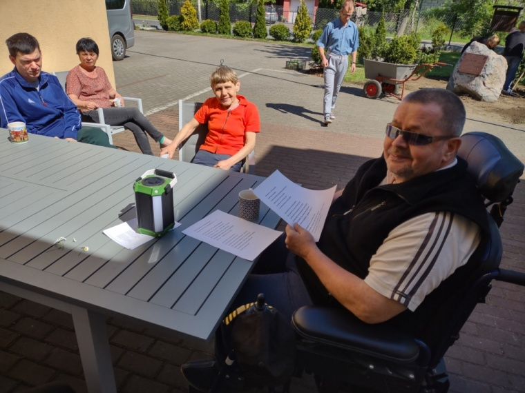 Spółdzielnia Socjalna WIGOR - Majowe dni w ogrodzie Środowiskowego Domu Samopomocy w Żalinowie